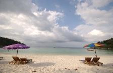 Spiaggia a Racha Yai