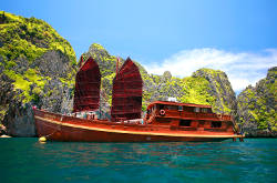 Yachts di Lusso a Phuket - The Siam Junk