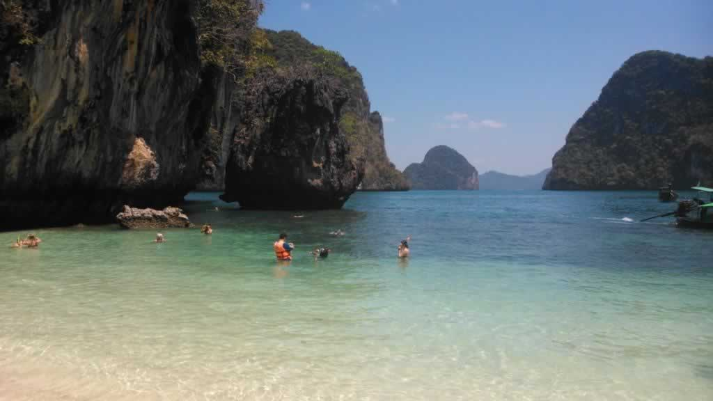 Krabi Hong Island Tour - Hong Island Beach