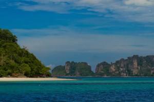 Phi Phi Island Tour to Bamboo Island