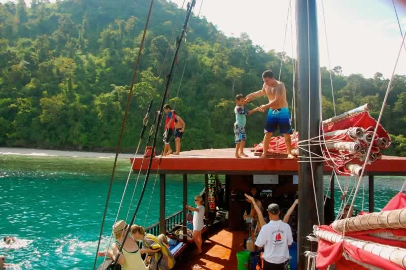 Krabi Sunset cruise - Fun for all ages