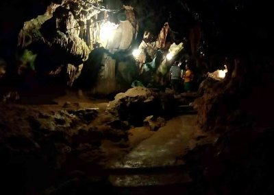 chiang mai,chiang dao cave-walk thru the cave