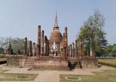 sukhothai - historical park - temple frontview