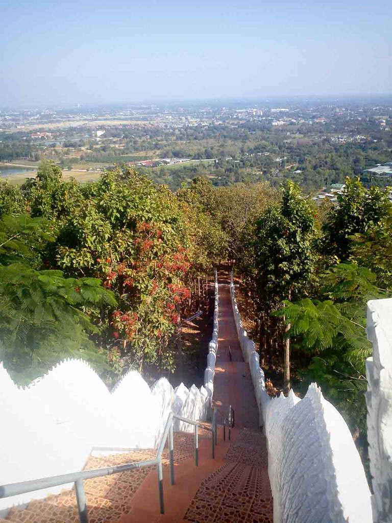 Wat Phra That Doi Kham - Easy Day - Thailand Tours