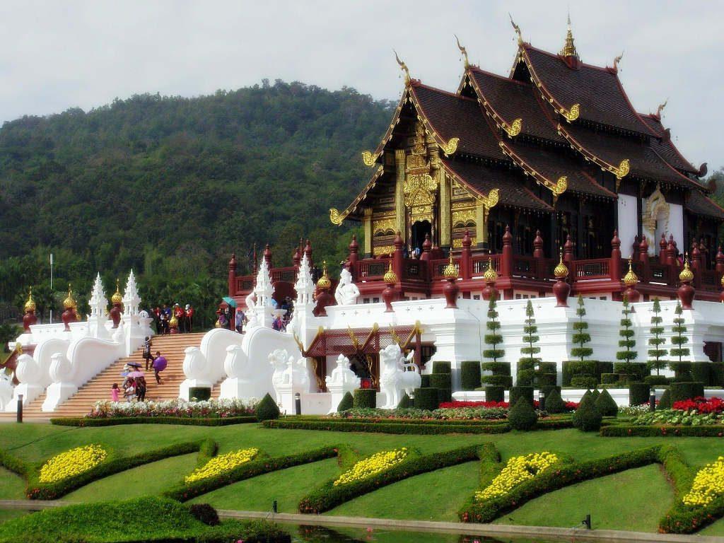 chiang mai, royal flora ratchaphruek - chiang mai, royal flora ratchaphruek - Ho Kham Royal Pavilion with garden