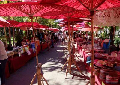 chiang mai, wat phra singh - sunday market