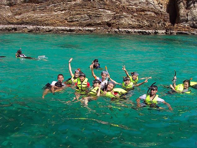 Phi Phi Island Tour Koh Lanta - Easy Day Thailand