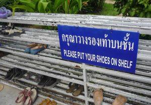 Thai Feet shoe off Sign