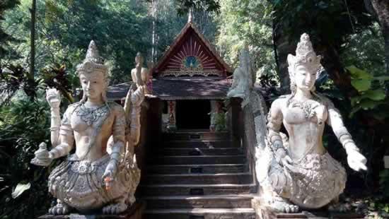 храм Чанг Рая
