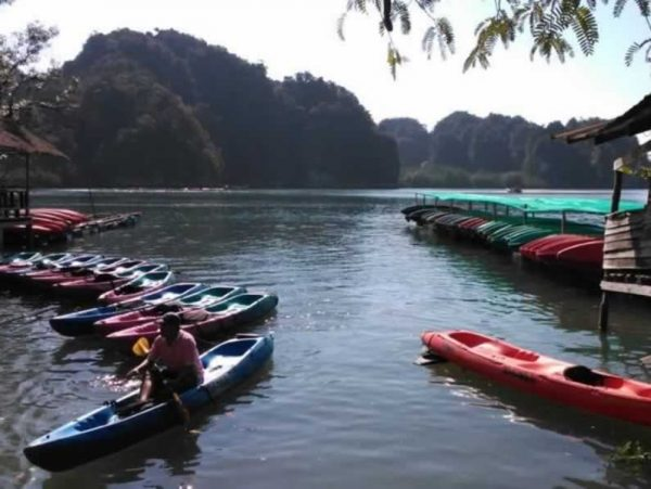 Ao Thalane - Kayaking in Krabi
