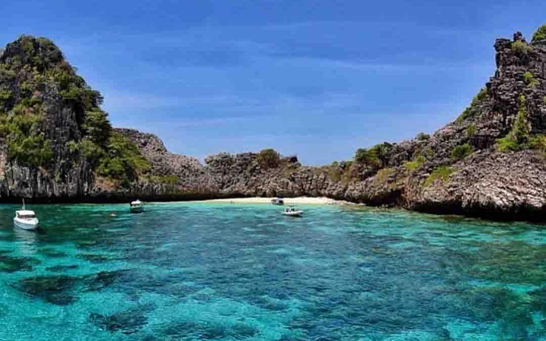 Koh Haa Island - Mu Ko Lanta National Park