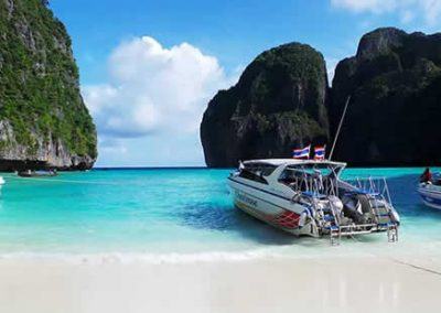 Phi Phi Island Tour - Speedboat at Maya Bay