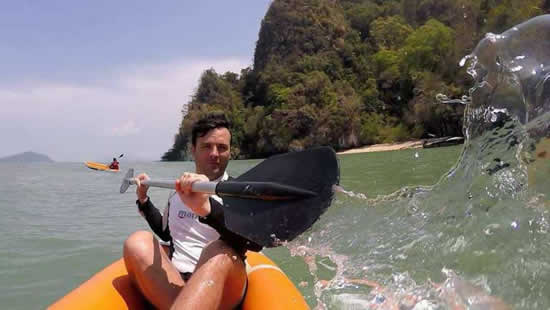 Canoë dans la baie de Phang Nga